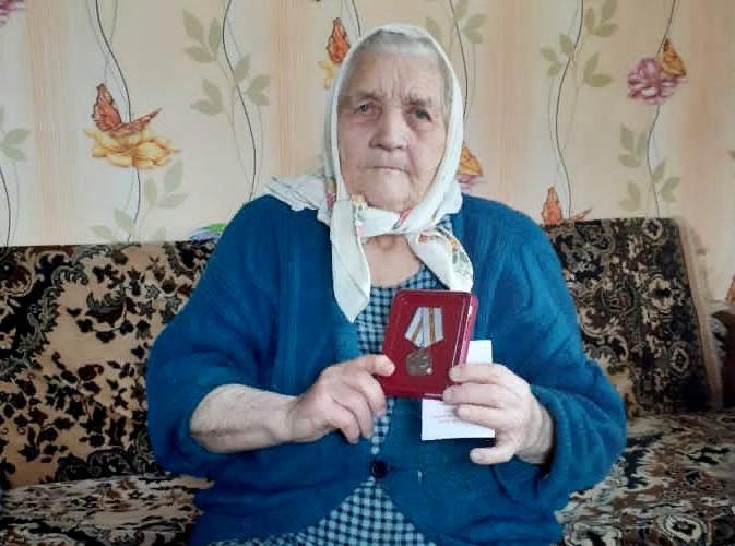 Ветерану Великой Отечественной войны вручена юбилейная медаль к 75-летию Победы